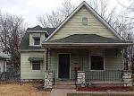 Foreclosed Home en HARDESTY AVE, Kansas City, MO - 64124