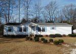 Foreclosed Home en CHARLIE WATTS RD, Maxton, NC - 28364