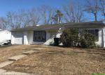 Foreclosed Home en VILLAGE DR, Barnegat, NJ - 08005