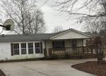 Foreclosed Home en W GOODSON AVE, West Terre Haute, IN - 47885