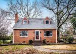 Foreclosed Home en CHAPEL DR, Richmond, VA - 23224