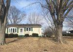 Foreclosed Home en SEILER RD, Dorsey, IL - 62021