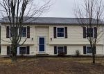 Foreclosed Home en CENTRAL AVE, Jewett City, CT - 06351