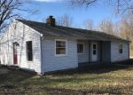 Foreclosed Home en PIMENTO CIR, Terre Haute, IN - 47802