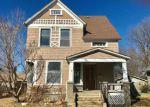 Foreclosed Home en HIAWATHA AVE, Hiawatha, KS - 66434