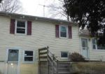 Foreclosed Home en MINTHAL DR, Southington, CT - 06489