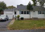 Foreclosed Home en 50TH ST, Lindenhurst, NY - 11757