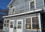 Foreclosed Home en W CENTER ST, Southington, CT - 06489