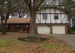 Foreclosed Home en FOREST HILLS ST, Gladewater, TX - 75647