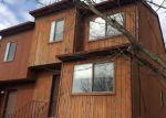 Foreclosed Home en STERLING PL, Highland, NY - 12528