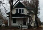 Foreclosed Home en W SOUTH ST, Salina, KS - 67401