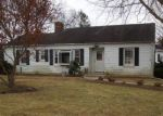 Foreclosed Home en JOLLY ACRES RD, White Hall, MD - 21161