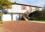 Foreclosed Home en CEDAR ST, Tuckerton, NJ - 08087