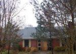 Foreclosed Home en RIVER OAKS PL, Jackson, MS - 39211