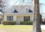 Foreclosed Home en LOCUST HILL DR, Gulfport, MS - 39503