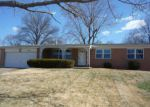 Foreclosed Home en SUNLAND DR, Florissant, MO - 63034