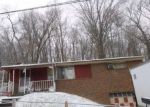 Foreclosed Home en DREXEL LN, Pittsburgh, PA - 15214