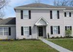 Foreclosed Home en CAMELOT BLVD, Chesapeake, VA - 23323