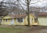 Foreclosed Home en OLD RIPLEY RD, Sorento, IL - 62086