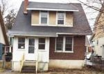 Foreclosed Home en COLBY PL, Phillipsburg, NJ - 08865