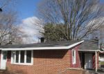 Foreclosed Home en EXETER RD, Kingsford Heights, IN - 46346