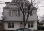 Foreclosed Home en SILVER LAKE AVE, Providence, RI - 02909