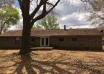 Foreclosed Home en BURKE DR, Moundville, AL - 35474