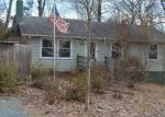 Foreclosed Home en HARDWARE HILLS CIR, Scottsville, VA - 24590