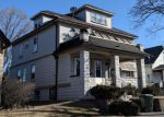 Foreclosed Home en W ARTHUR AVE, Milwaukee, WI - 53215