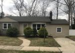 Foreclosed Home en TRAYMORE PKWY, Absecon, NJ - 08201