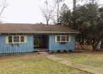 Foreclosed Home en CEDAR CIR, West Point, GA - 31833