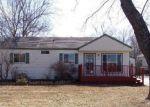 Foreclosed Home en SW HUNTOON ST, Topeka, KS - 66604
