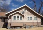 Foreclosed Home en SE MICHIGAN AVE, Topeka, KS - 66605
