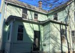 Foreclosed Home en TWISS ST, Meriden, CT - 06450