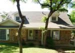 Foreclosed Home en N BOWEN RD, Arlington, TX - 76012