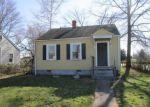 Foreclosed Home en ELKRIDGE LN, Richmond, VA - 23223