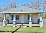 Foreclosed Home en TENNENT RD, Morganville, NJ - 07751