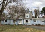 Foreclosed Home en JACKSON MILLS RD, Freehold, NJ - 07728