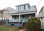 Foreclosed Home en BUNKER AVE, Meriden, CT - 06450