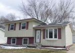 Foreclosed Home en CALUMETT DR, Cedar Falls, IA - 50613