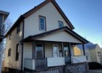 Foreclosed Home en S 76TH ST, Milwaukee, WI - 53219