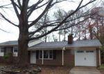 Foreclosed Home en BICKFIELD DR, Hampton, VA - 23666
