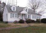 Foreclosed Home en CARVER ST, Montross, VA - 22520