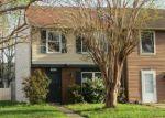 Foreclosed Home en VANASSE CT, Hampton, VA - 23666