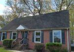 Foreclosed Home en CAVALIER DR, Yorktown, VA - 23692