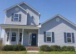 Foreclosed Home en HILL FARM DR, Richlands, NC - 28574