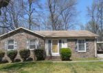 Foreclosed Home en GLENVIEW DR, Greensboro, NC - 27406
