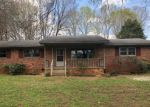 Foreclosed Home en SHORELINE DR, Greensboro, NC - 27410
