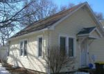 Foreclosed Home en S MAIN ST, Lake Crystal, MN - 56055