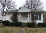 Foreclosed Home en HILLCREST ST, Clinton Township, MI - 48036